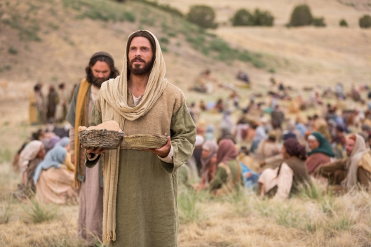 miracles-of-jesus-feeding-5000-1433376-wallpaper